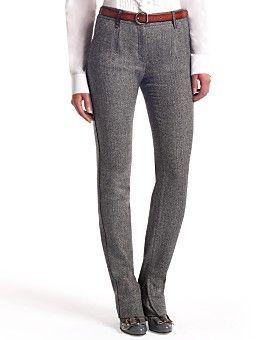 Gövdeniz, bacaklarınıza göre daha uzunsa, yüksek bel pantolanlarla bunu gizleyebilirsiniz.  Nerelerde bulabilirsiniz?  Atalar, İpekyol, Zara